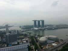 싱가포르 마리나베이샌즈 호텔의 낮과 밤